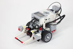 Cool DIY Lego Mindstorm Ideas and Projects | Edge-following and Obstacle-sensing LEGO MINDSTORMS EV3 Robot by DIY Ready at http://diyready.com/9-diy-lego-mindstorms-ideas/