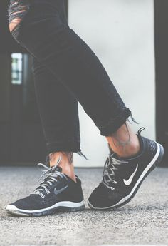 Mary Seng is wearing distressed black jeans from Current Elliott and black sneakers from Nike… Nike Shoes Cheap, Nike Free Shoes, Nike Shoes Outlet, Cheap Nike, Nike Run, Nike Free Run, Nike Kicks, Nike Outfits, Black Sneakers