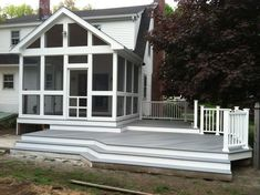 Two toned deck staining use more than one composite for Fiberon decking cost per square foot