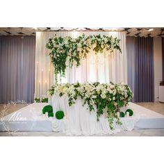 Роскошное цветовое сочетание белого и зелёного ⚪️ ничего лишнего!!! Любимый ресторан @ysadba_familiya Организатор @serafim_event #wedding #weddingdecor #weddingdecoration #weddingkrasnodar #nina_decor #остросаблина_декор #президиум #столмолодых #столмолодоженов #свадьба #свадьбавкраснодаре #свадьбакраснодар #свадьбасочи #свадьбаабрау #свадьбавсочи #свадьбаанапа #усадьбафамилия #оформлениесвадьбы #декорсвадьбы #скоросвадьба #яневеста