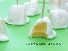 Frozen Mango Bites - 2 cups (cut into bite-sized chunks) mango, 1 cup thick full-fat Greek yogurt OR for dairy free use whipped coconut cream from a can of coconut milk, 1 tbsp raw honey. Paleo Dessert, Healthy Desserts, Just Desserts, Delicious Desserts, Yummy Food, Mango Desserts, Healthy Food, Healthy Candy, Tasty Snacks