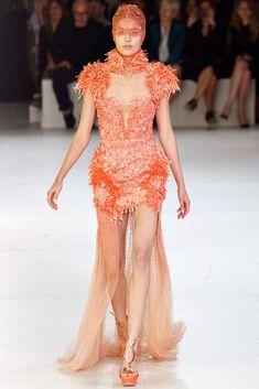 Alexander McQueen Parigi - Spring Summer 2012 Ready-To-Wear - Shows - Vogue. Runway Fashion, High Fashion, Fashion Show, Paris Fashion, Fashion Styles, Fashion Women, Women's Fashion, Alexander Mcqueen, Alex Mcqueen