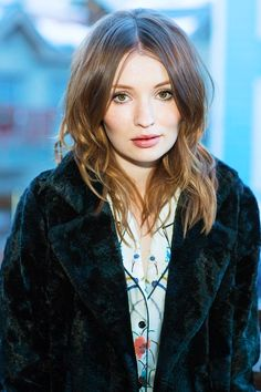 Emily Browning beautiful!