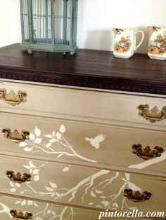Chalk Painting Chest of Drawers - DIY