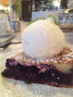 Sunset Blvd and the hidden glamour in a blueberry pie
