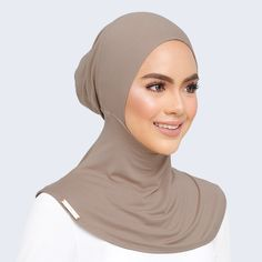In the last 30 years, the evolution of fashion has been doing parallel Niqab Fashion, Muslim Fashion, Fashion Muslimah, Hijab Style Dress, Hijab Outfit, New Hair Cut Style, Sports Hijab, Kebaya Hijab, Evolution Of Fashion
