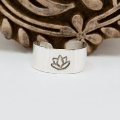 Silver Toe Ring  Lotus Blossom Toe Ring  Adjustable Toe by Jet of the Day dashery #jod #jewelryonetsy