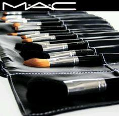 MAC 7 Brush Set $20.00
