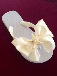 8d132f538bab BEACH Wedding Flip Flops Wedges!!Bridal Flip Flops.NATURAL Starfish Flip  Flops.Rhinestone Flip Flops.Bridal BOWZ Flip Flops