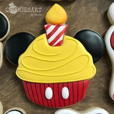 67 Ideas Birthday Ideas For Kids Food Mickey Mouse Sugar Cookie Icing, Cookie Frosting, Royal Icing Cookies, Sugar Cookies, Galletas Cookies, Iced Cookies, Cute Cookies, Cupcake Cookies, Mickey Mouse Cookies
