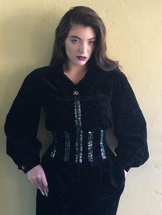 Lorde MTV VMAs 2014 No Red Carpet - http://oceanup.com/2014/08/24/lorde-mtv-vmas-2014-no-red-carpet/