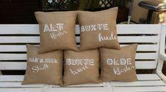 Wunderschönes, handgearbeitete Kissenhülle aus Jute. Schabloniert mit der Aufschrift Altkloster. Altkloster ist ein Stadtteil von Buxtehude, der