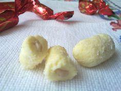 Raffaello ízű szaloncukor (és a manduláról pár szó... Izu, Minden, Advent, Food, Candy, Raffaello, Caramel, Essen, Meals