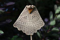 Plants & Garden Plugs - Owl Garden Plugs - a designer product by Atelier -. Plants & Garden Plugs – Owl Garden Plugs – a unique product by Atelier-Keramixx on DaWanda Hobbies For Women, Hobbies To Try, Clay Projects For Kids, Projects To Try, Garden Owl, Pottery Handbuilding, Hand Built Pottery, Air Dry Clay, Clay Tutorials