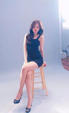 the naeun ( Korean Beauty, Asian Beauty, Gucci Logo, Apink Naeun, Celebs, Celebrities, Beautiful Asian Girls, Ulzzang Girl, Sexy Legs