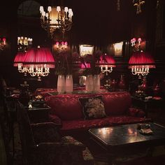 Vienna, Austria, Sacher Hotel, Roter Raum , Red Room photo: utabauer Red Rooms, Vienna Austria, Pandora, Photo And Video, Videos, Instagram, Red Bedrooms, Video Clip