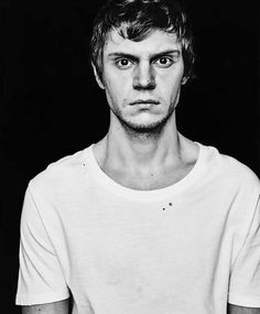 What happened to Cute Evan Peters Evan Peters, Ahs, Phil Of The Future, Tate And Violet, Peter Maximoff, Man Crush Monday, Horror Stories, Celebrity Crush, Husband