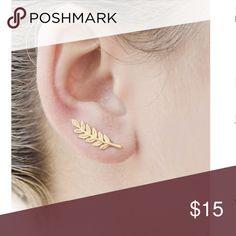 60e379e923 •SHEIN• Leaf Shaped Ear Climber One size NWT Leaf Shaped Ear Climber SHEIN  Jewelry Earrings