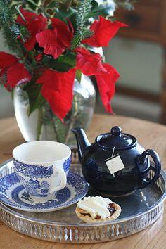Blue Christmas tea