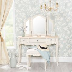 Sec107 - Masă se toaletă cu atitudine - http://www.emobili.ro/cumpara/sec107-set-masa-toaleta-cosmetica-machiaj-oglinda-masuta-make-up-967 #eMobili