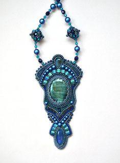 Bead Embroidery Jewelry, Beaded Embroidery, Beaded Earrings, Beaded Jewelry, Art Nouveau Jewelry, Metal Jewelry, Swarovski, Jewelry Design, Beads