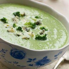 Egy finom Sajtos brokkolikrémleves ebédre vagy vacsorára? Sajtos brokkolikrémleves Receptek a Mindmegette.hu Recept gyűjteményében!