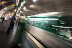 Estación de Blanche en el metro de París, Francia.