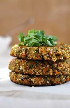 Anja's Food 4 Thought: Herbed Cauliflower Carrot Falafel Raw Food Recipes, Veggie Recipes, Cooking Recipes, Healthy Recipes, Alkaline Recipes, Alkaline Foods, Roh Vegan, Vegan Vegetarian, Vegetarian Recipes