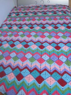Nice version of solid squares & ripple.  Basic Caron pattern here ~ http://www.caron.com/projects/ss/ss69_baby_granny_stripes.html  #crochet #afghan #blanket #throw