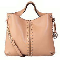 #Fashion There's still a plethora of bags and accessories to make any girl or guy happy. I love this site.