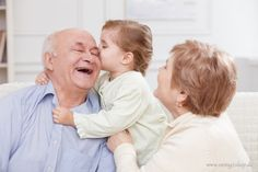 Wie man eine besonders schöne Bindung zum Enkelkind aufbauen kann