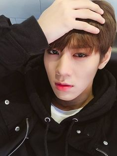 Lee Sang 이상 || Imfact || 1995 || 176cm || Lead Vocal