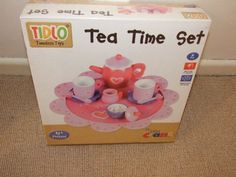 WOODEN TOY TEA SET BRAND NEW PRETEND ROLE PLAY NOT FOOD