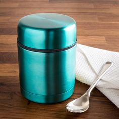 Food stays hot longer in the TOGO Thermal Food Storage Jar. No need for a microwave to enjoy your lunch at just the right temperature. Jar Storage, Food Storage, Knife Block Set, Winter Ideas, Bakeware, Kitchen Gadgets, Lunches, Microwave, Cookware