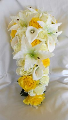 Yellow and ivory silk bride cascade bouquet calla lilies, roses and callas 2 pieces wedding flowers Lily Bouquet Wedding, Cascading Wedding Bouquets, Calla Lily Bouquet, Cascade Bouquet, Calla Lillies, Lilies, Yellow Rose Bouquet, Yellow Bouquets, Fall Bouquets