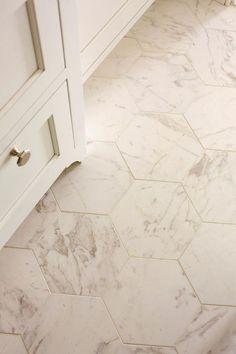 Stunning Bathroom Tile Makeover Ideas (38) #marblebathroom