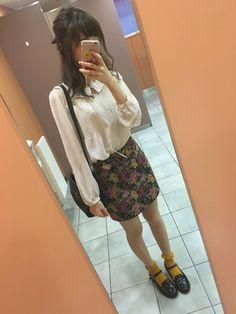 こんばんは❁︎ 今日はお休みで渋谷で焼肉でした☺️ めちゃくちゃ可愛いゴブラン織りスカートが主役の
