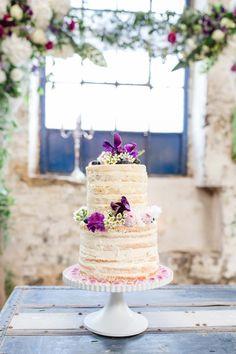 Hochzeit einmal anders: Vintage-Style trifft auf Industrial-Chic  HEIRATEN EXKLUSIV http://www.hochzeitswahn.de/inspirationsideen/hochzeit-einmal-anders-vintage-style-trifft-auf-industrial-chic/ #wedding #vintage #cake