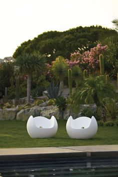 Blos is the ideal sphere shaped outdoor armchair suitable for Summertime from IQ Furniture.