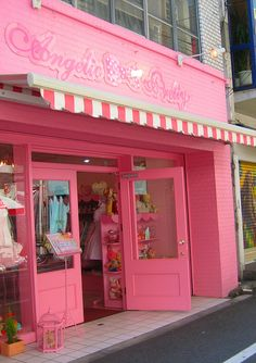 pink shop front - very eye catching, love it!