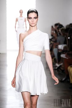 Cushnie et Ochs - Ready-to-Wear - Spring-summer 2014 Pink Evening Dress, Evening Dresses Plus Size, Black Party Dresses, Red Carpet Dresses, Style Couture, Couture Fashion, Oscar Dresses, Prom Dresses, Dresses 2013