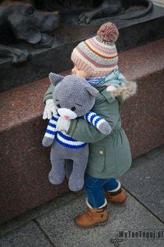 Crochet Bear, Love Crochet, Crochet Toys, Canada Goose Jackets, Snowman, Crochet Patterns, Winter Jackets, Teddy Bear, Dolls