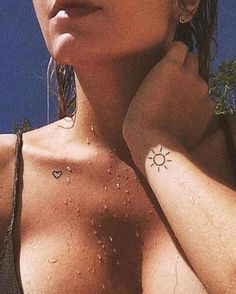 SIMPLYINKED the best online store for temporary tattoos. Classy Tattoos, Subtle Tattoos, Simplistic Tattoos, Dainty Tattoos, Pretty Tattoos, Mini Tattoos, Small Tattoos, Tiny Sun Tattoo, Simple Sun Tattoo