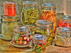 about Lacto-Fermentation, and recipe Ni Cru Ni Cuit, Pickles, Fermenting Jars, Raw Food Recipes, Healthy Recipes, Piccalilli, Kefir How To Make, Dried Vegetables, Bodybuilding Nutrition
