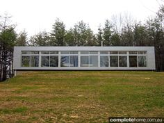 Rocio Romero, modern design and prefab architecture Prefab Buildings, Prefabricated Houses, House Layout Plans, House Layouts, Prefab Shipping Container Homes, Modern Prefab Homes, Spanish House, Kit Homes, Home Projects