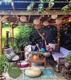 28 Creative Ways to Decorate a More Relaxing Patio, # # these creative patio decoration ideas and get inspired to create a relaxing outdoor spot that will help you escape from the daily routine. Small Backyard Patio, Backyard Patio Designs, Backyard Landscaping, Backyard Ideas On A Budget, Small Patio Spaces, Small Gazebo, Small Patio Design, Pergola Patio, Ideas Terraza