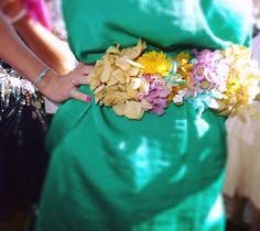 Cinturon de flores preservadas.