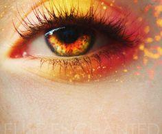 Fire eye makeup. Glam!