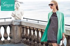 Die letzten Sommertage schwinden und noch einmal einen schönen Tag am Meer verbringen. Mit Mode von GRACE AUSTRIA (Mariella Rosati - erhältlich in PÖRTSCHACH bei GRACE AUSTRIA) kein Problem. Gold Fashion, Womens Fashion, Good Luck To You, Spring Summer 2015, All About Fashion, Duster Coat, Cover Up, Anna, Runway