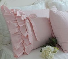 Shabby Chic Two-layers Ruffles Tie Pillowcase Cover Slip Cotton Standard Sham How To Make Pillows, Diy Pillows, Decorative Pillows, Chandelier Wedding Decor, Designer Bed Sheets, Ruffle Pillow, Shabby Chic Bedrooms, Vintage Pillows, Diy For Girls